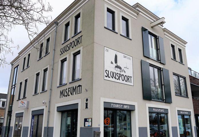 Sluuspoort/Museum Schoonewelle gesloten