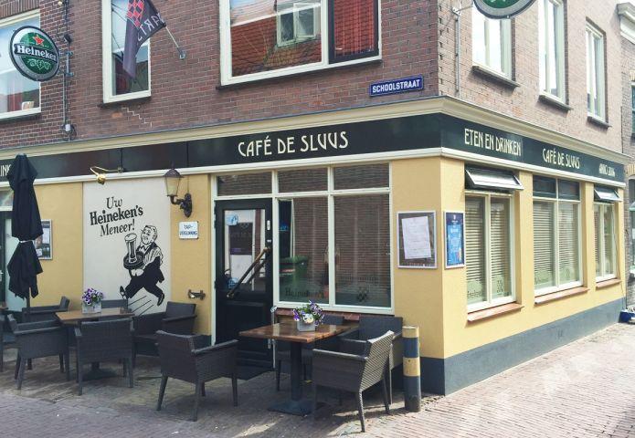 1-cafe-de-sluus-buiten.jpg