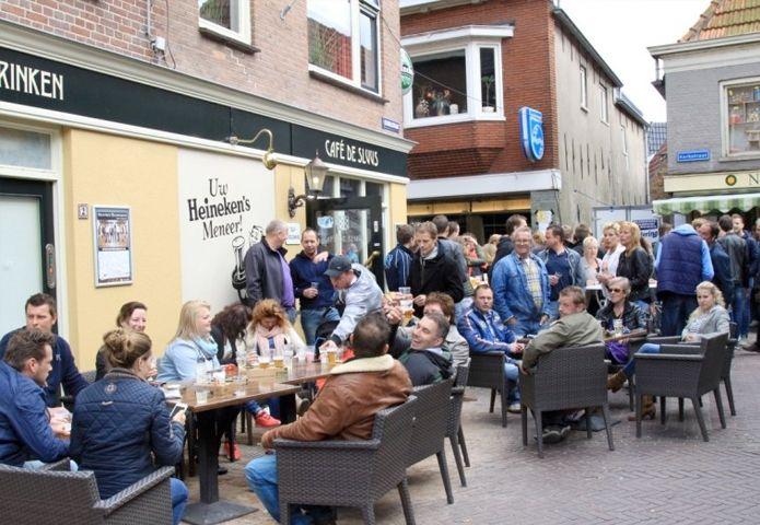 3-cafe-de-sluus-buiten.jpg