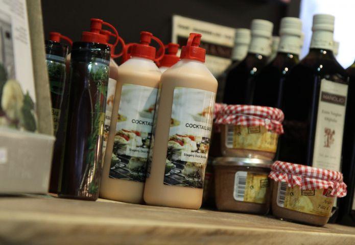4-slagerij-bruintjes-winkel-sauzen.jpg