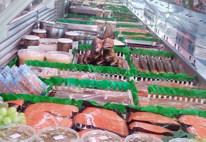 5-het-urker-vispaviljoen-zwartsluis-winkel-binnen.jpg