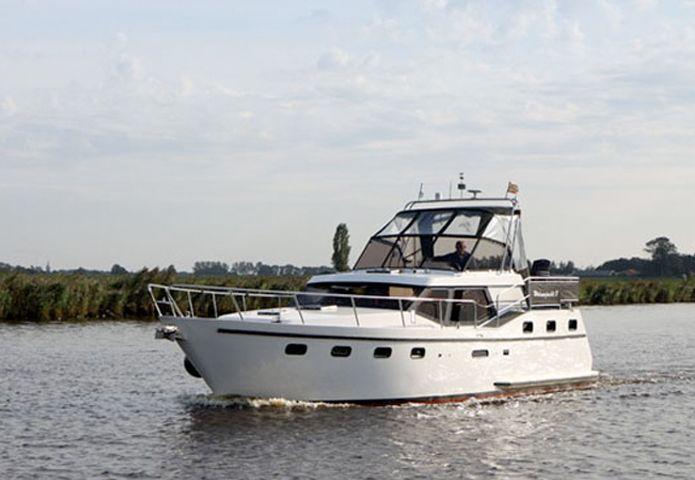 5-jachtcharter-panorama-boten-verhuur.jpg